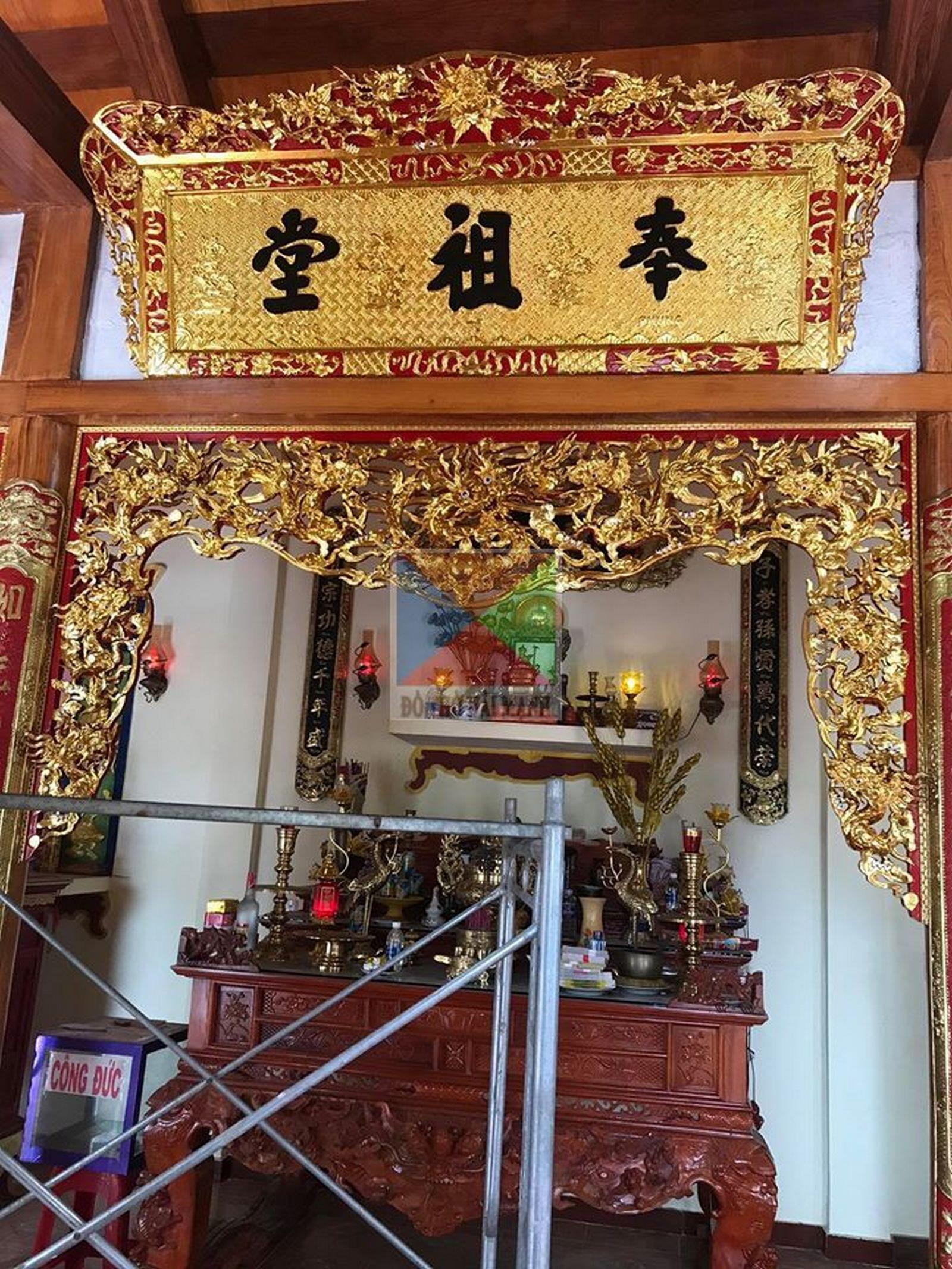 cửa võng hoành phi sơn son thiếp vàng