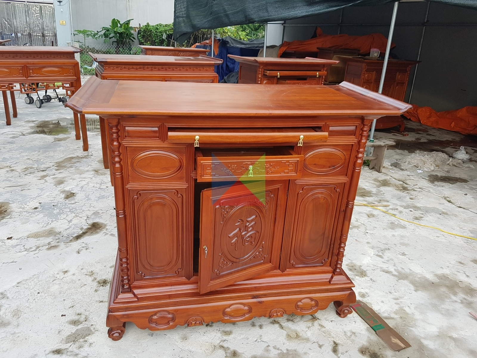 tủ thờ gỗ tràm