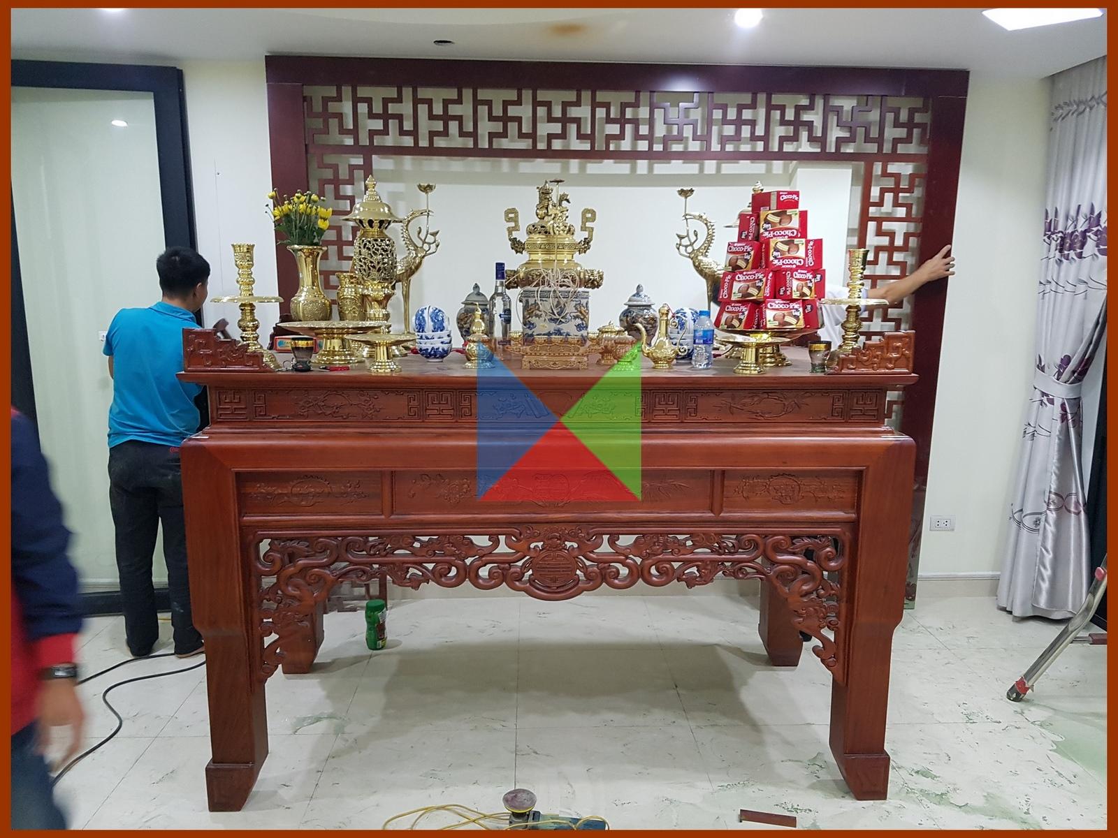 Bàn thờ gỗ hương đỏ mẫu triện - đồ thờ bằng đồng