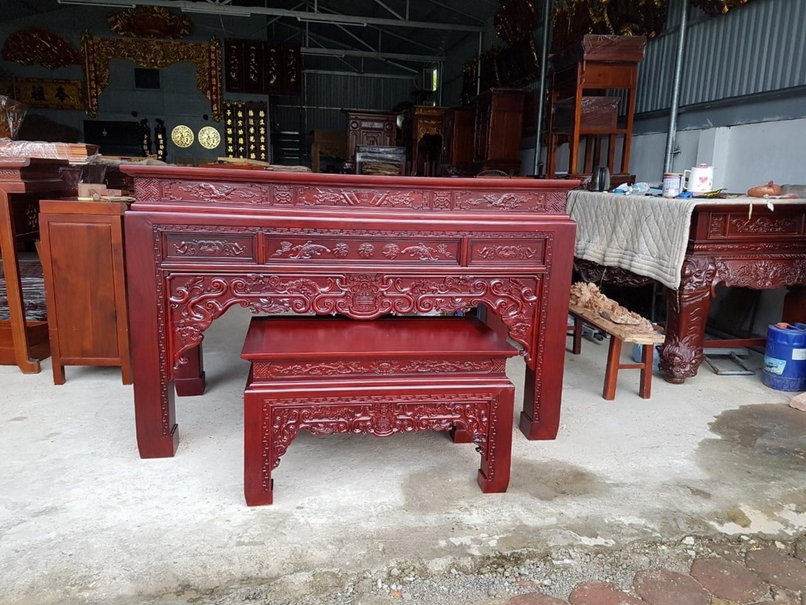 Bàn thờ triện gỗ hương kích thước 197x97x127