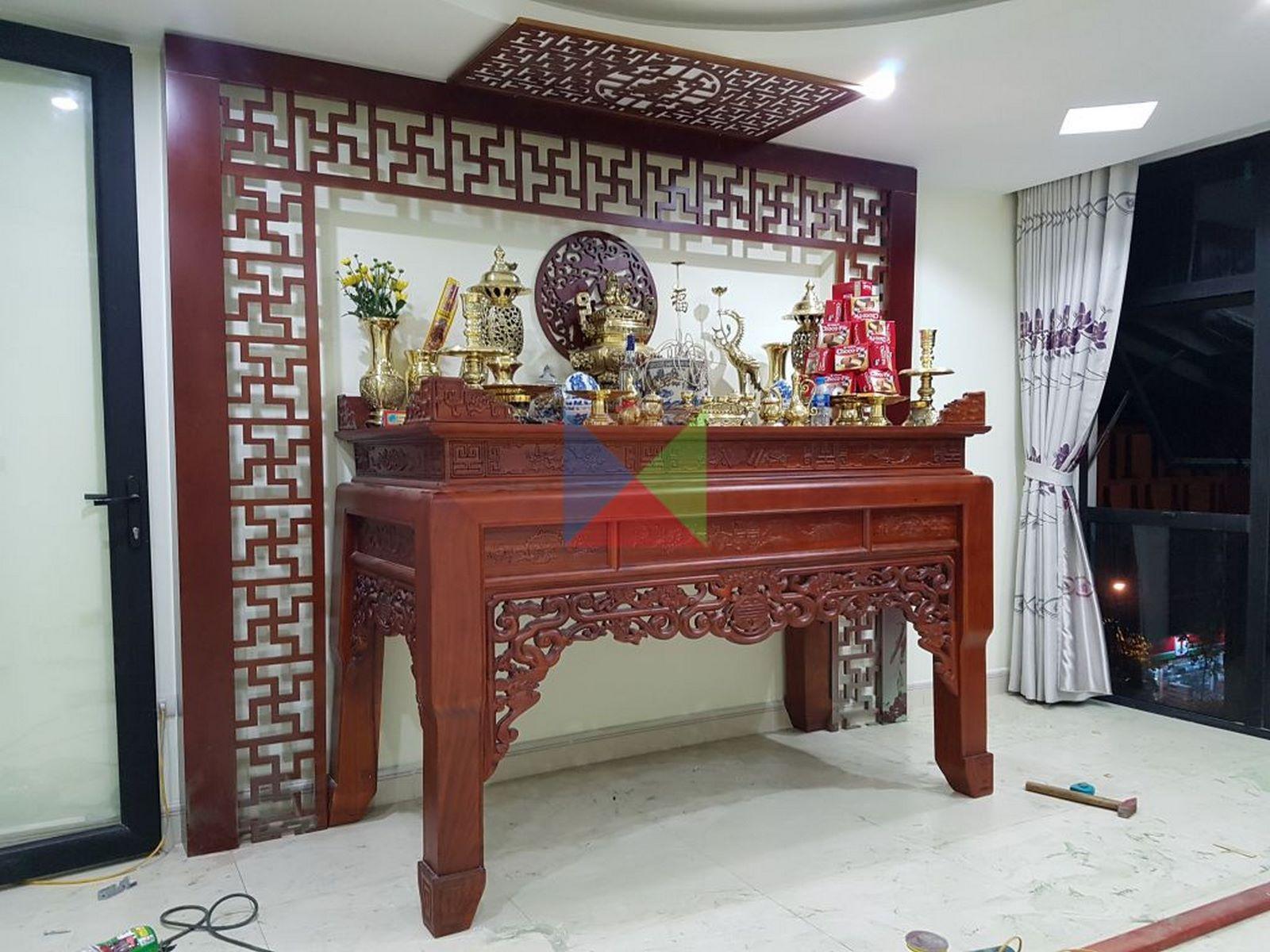 bàn thờ gia tiên truyền thống