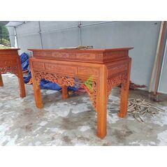 Bàn thờ gỗ gụ đẹp dạ như ý, chân vuông HMBT217V