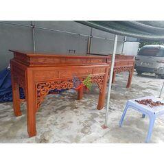 Mẫu bàn thờ đẹp dạ như ý, chân vuông HMBT217V