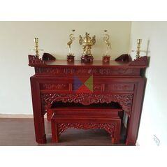 Bàn thờ gỗ gụ đẹp dạ như ý, chân vuông HMBT155V